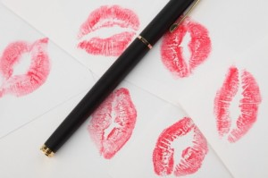 sheet-of-paper--lips--love-message--letter_3293247